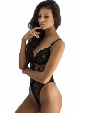 QUEEN LINGERIE SCALLOPED LACE TEDDY